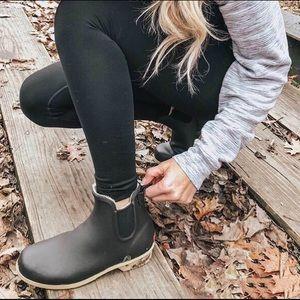 NIB Chooka Plush Chelsea Fur Ankle Rainboots